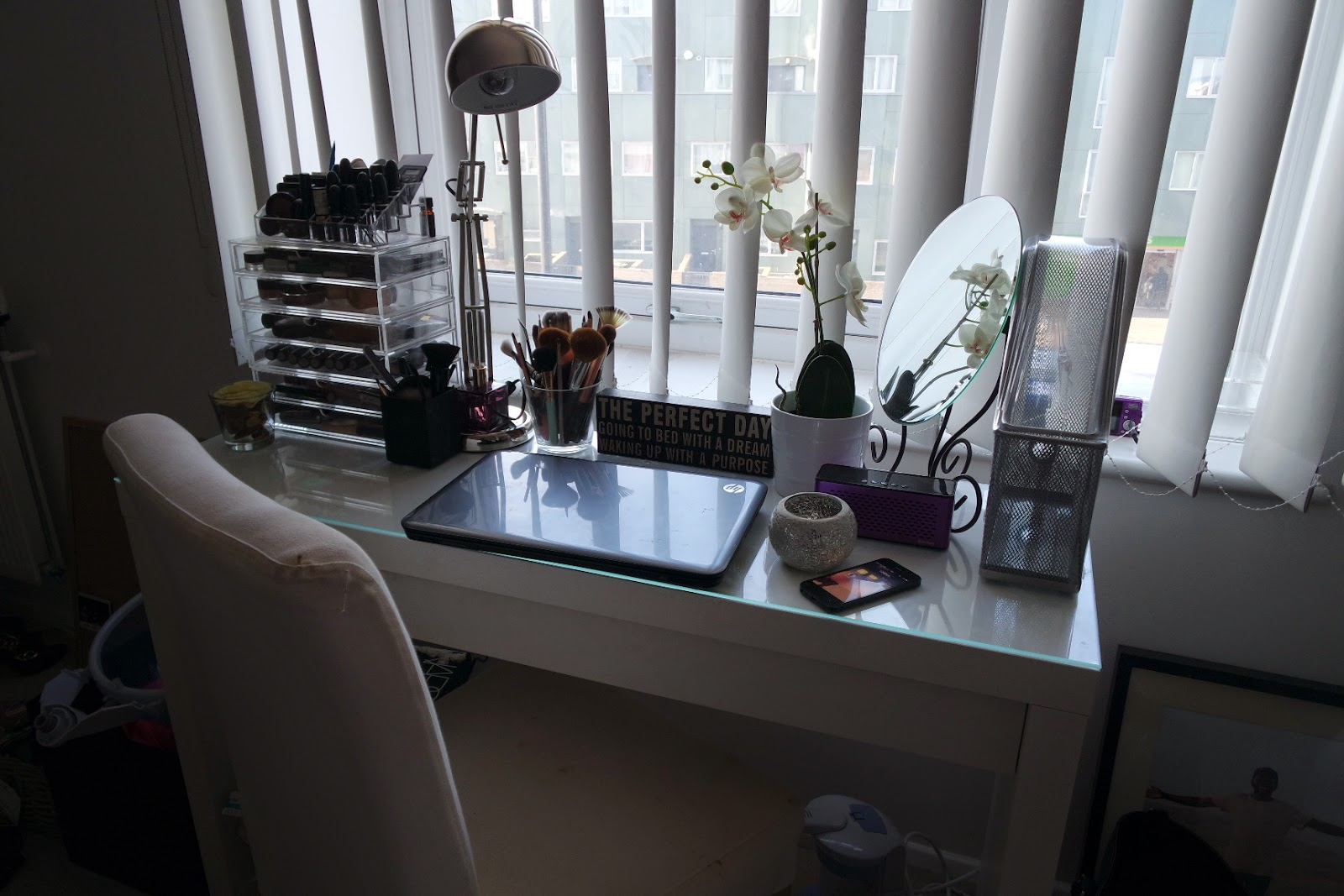 desk, white interior, beauty, muji