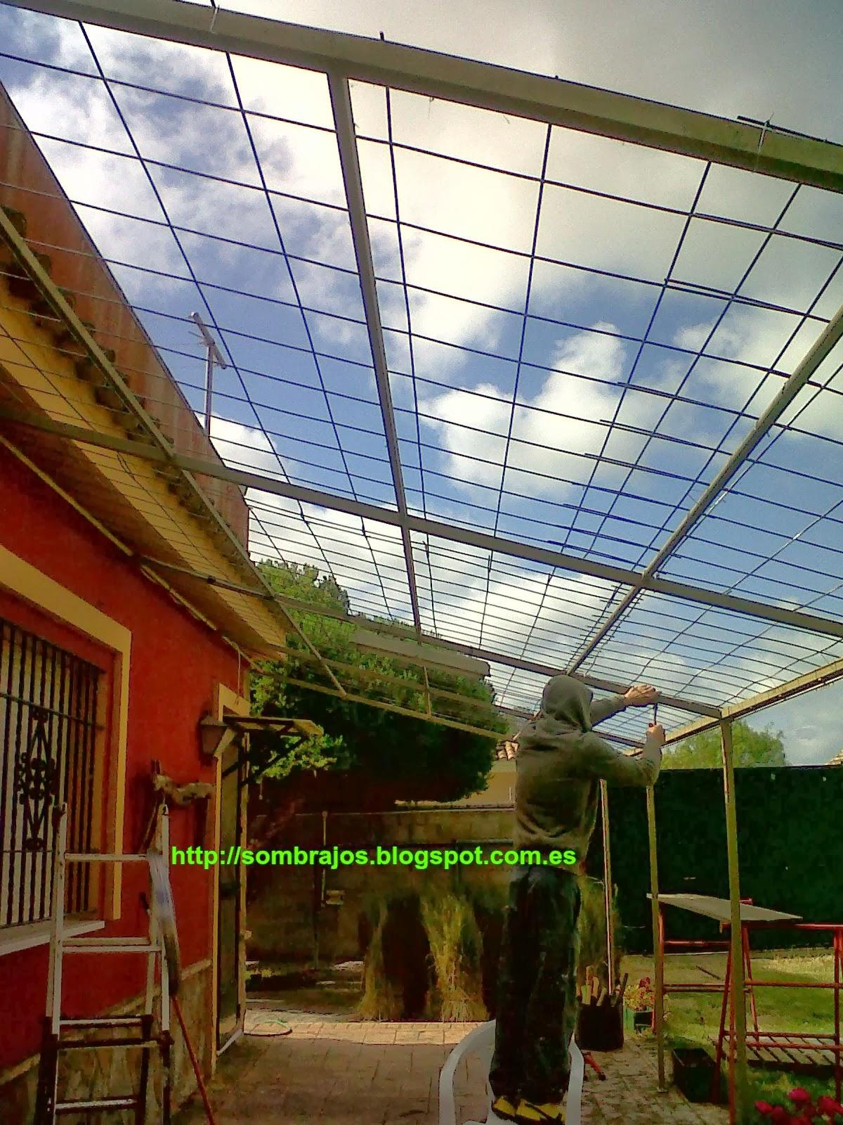 nuestro trabajo consisti en realizar solo la cubierta vegetal y el refuerzo de la estructura metlica - Pergola Metalica