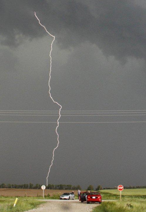 Mengejar Tornado
