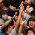 """En Paraguay: """"llueve dinero"""" en un templo católico."""