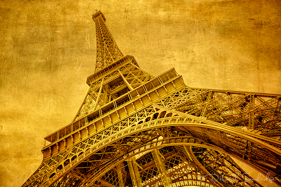 Golden light Eiffel Tower with textures, photography workshop in Paris.
