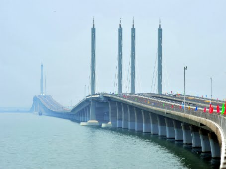 Jiaozhou Bay Bridge in China the World's Longest Cross-sea Bridge
