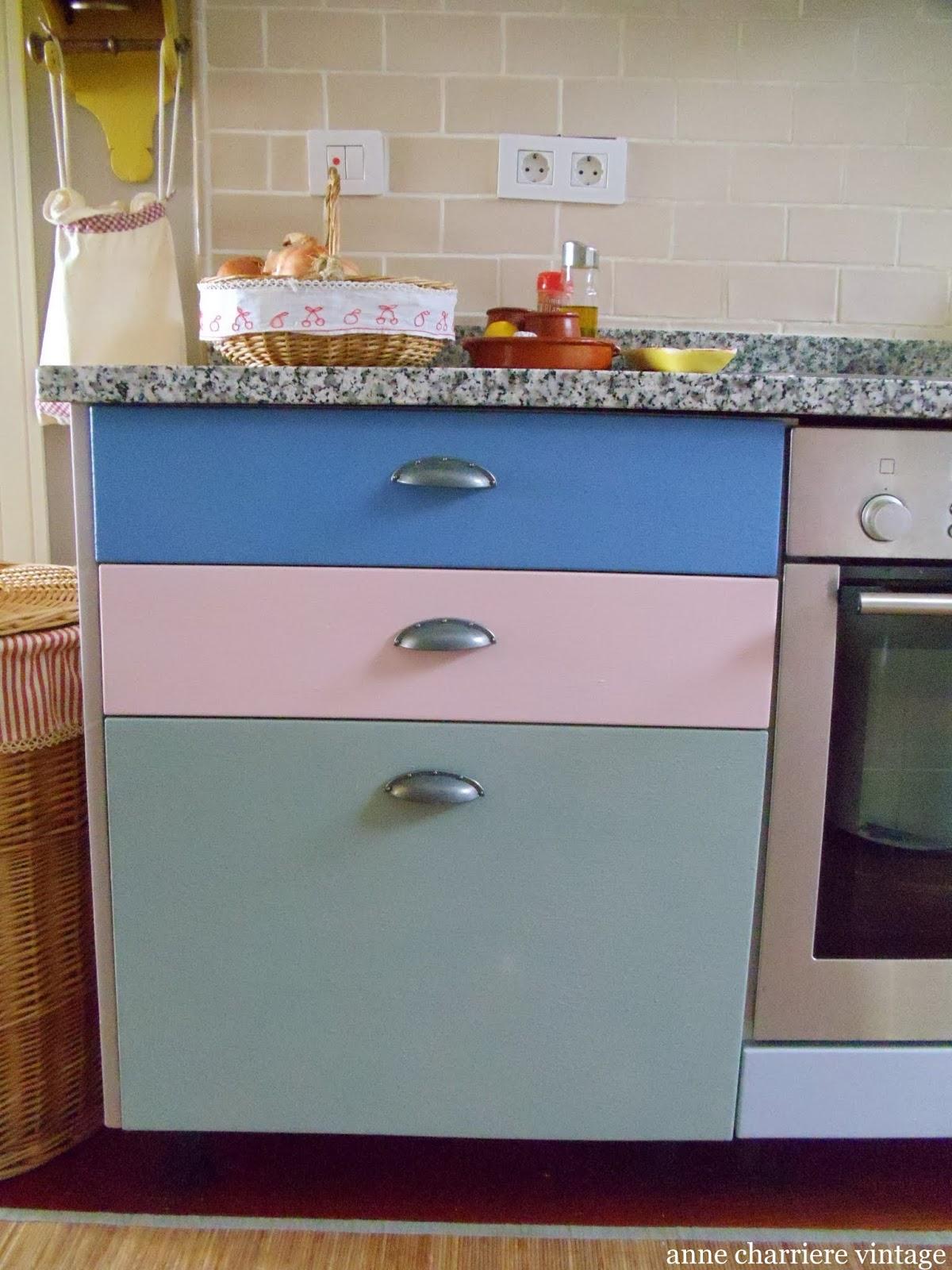 cocina abierta, muebles pintados,