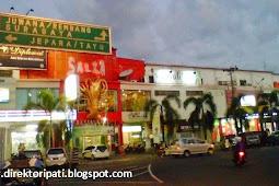 Ruko Simpang Lima, Pusat Belanja Kawasan Alun-Alun Pati