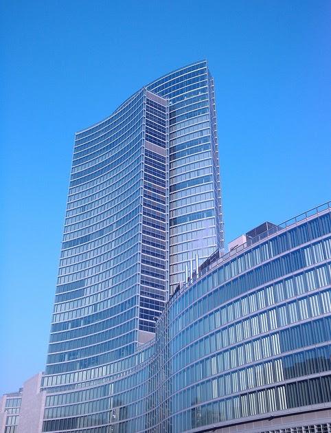 vertical sprint a milano sul grattacielo pi alto d
