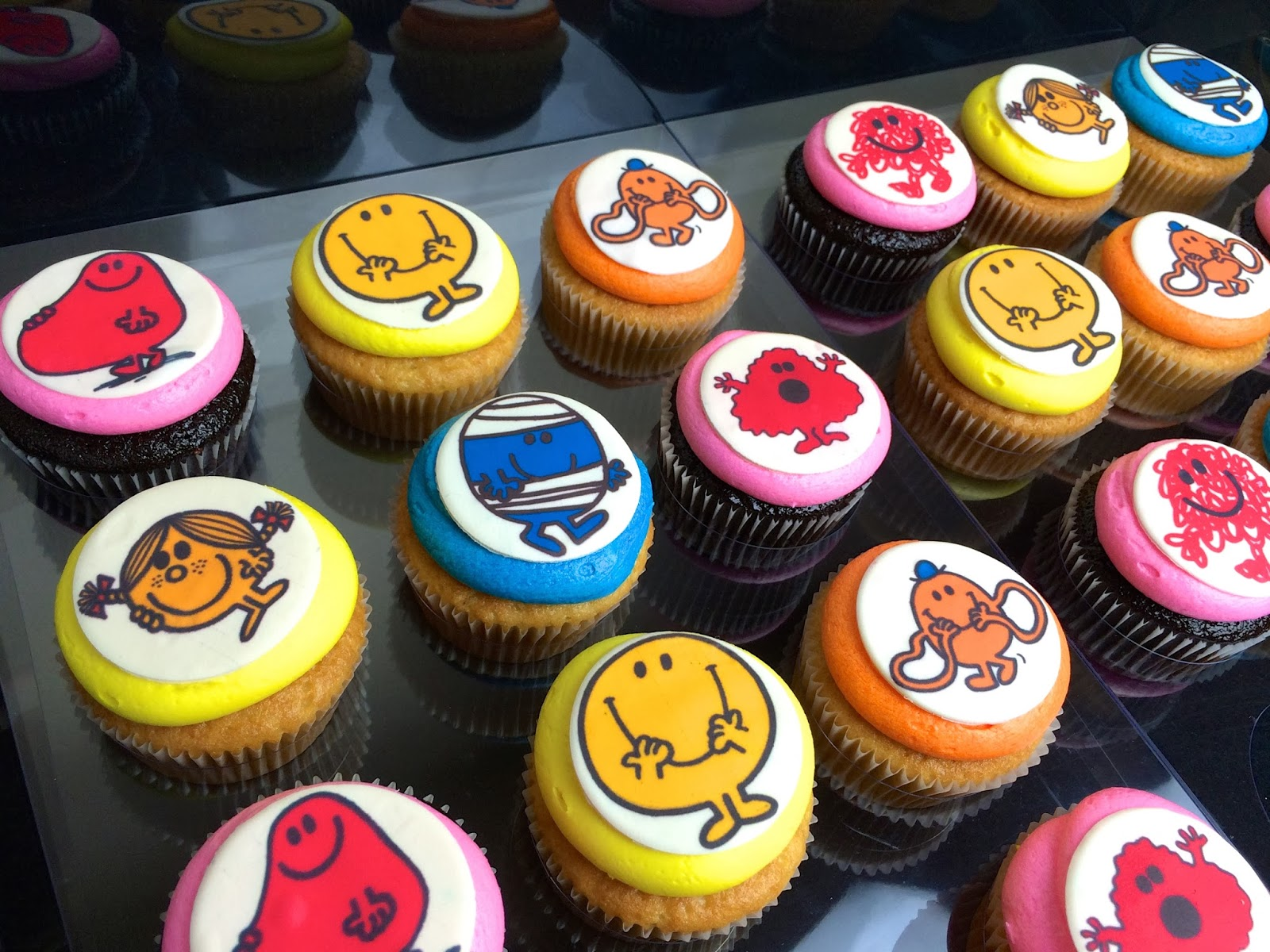 Baking Maniac: Mr Men and Little Miss Cupcakes!