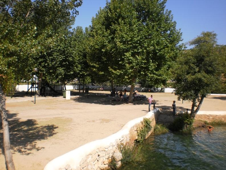 Parque de lazer junto ao rio