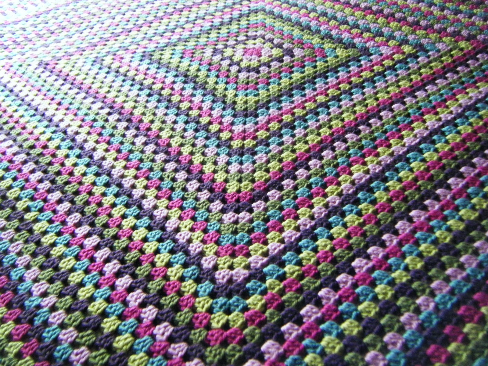 Free Crochet Pattern For Giant Granny Square Afghan : Betsy Makes ....: Giant Granny Square for our Sofa