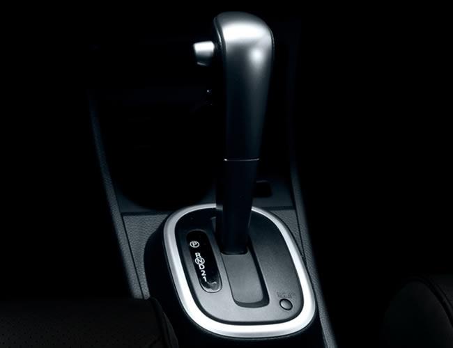a car Nissan Tiida sedã 2013