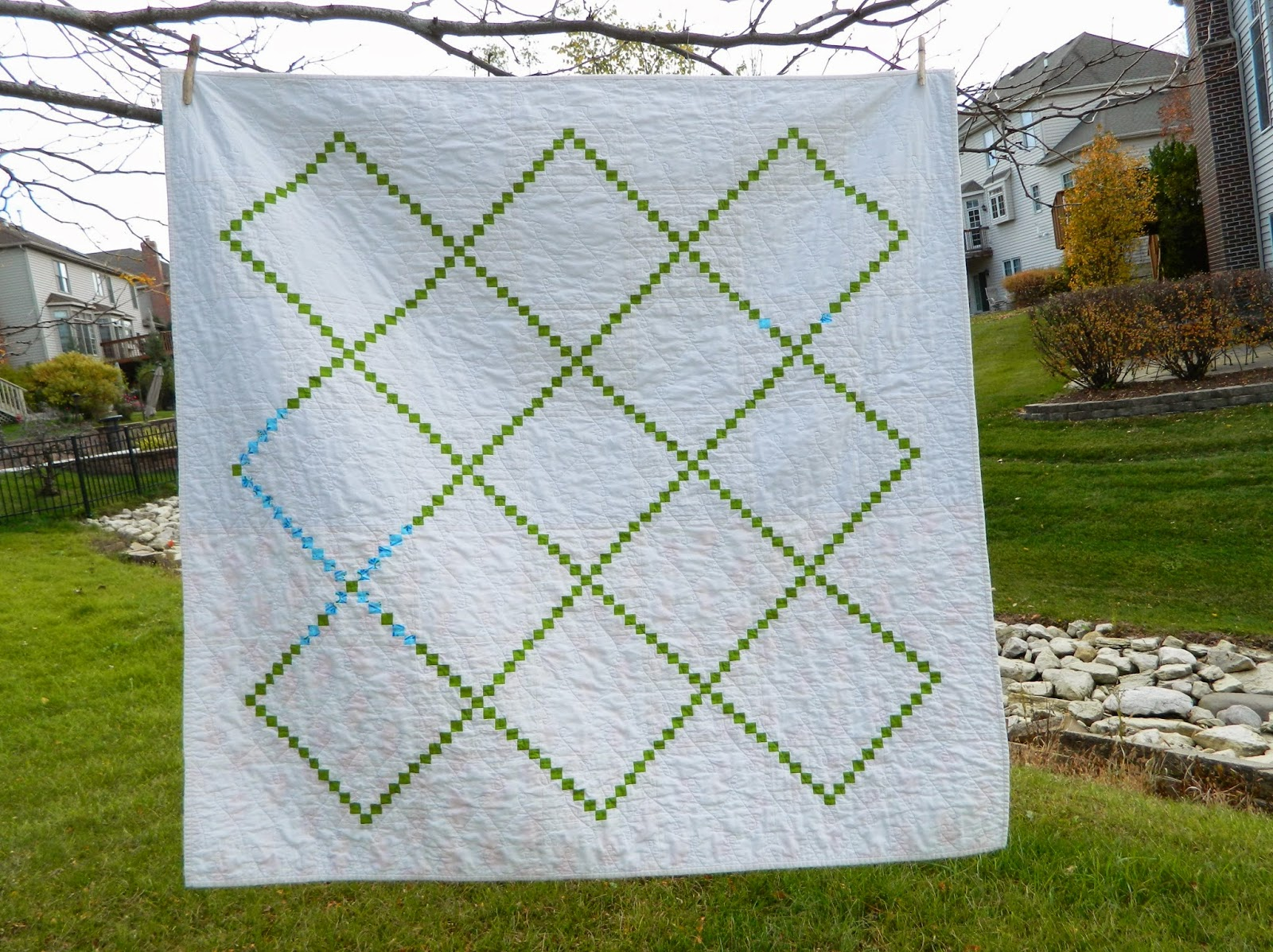 http://sotakhandmade.blogspot.com/2014/10/irish-chain-finished-quilt.html