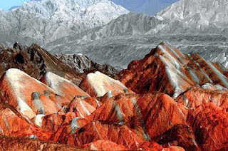 Gunung+Danxia+6 Gunung Danxia, Gunung Kaya Warna Yang Mirip Dengan Pelangi