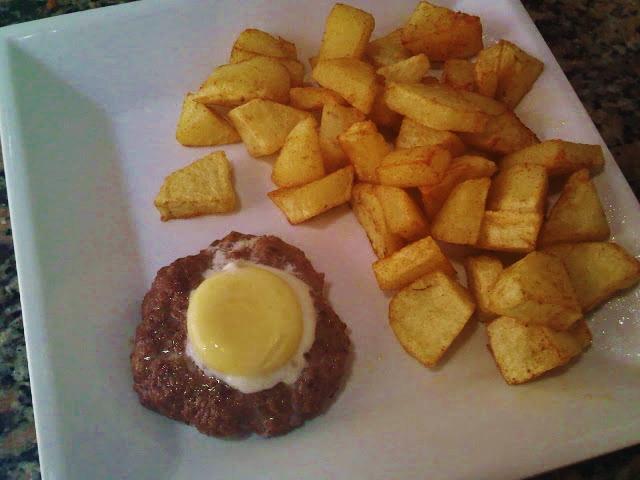 Hamburguesa rellena de Huevo Frito