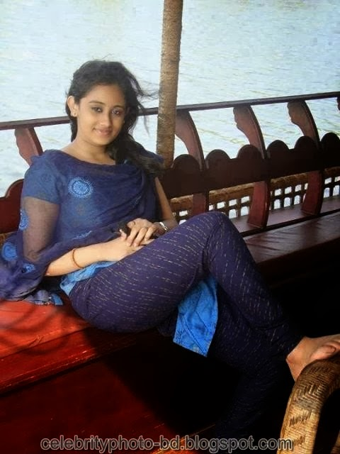 Deshi+girl+real+indianVillage+And+college+girl+Photos011