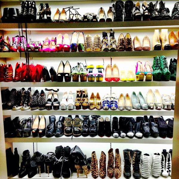 CL koleksi sepatu High Hells