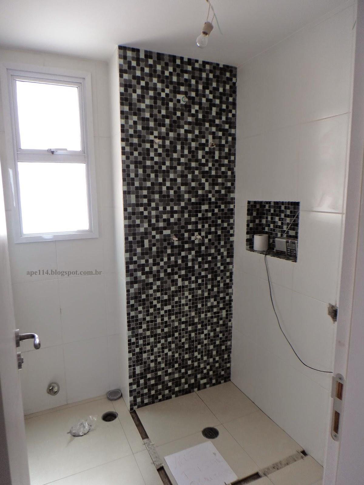 PS. as pastilhas ainda não foram rejuntadas. #645A4F 1200x1600 Banheiro Com Revestimento Pastilhas