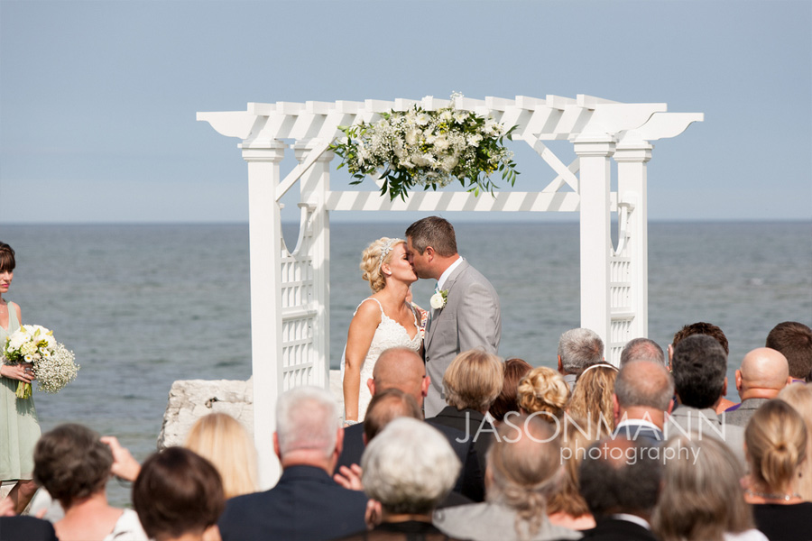 Outdoor wedding on the water of Lake Michigan in Door County. Photo by Jason Mann Photography, 920-246-8106, www.jmannphoto.com