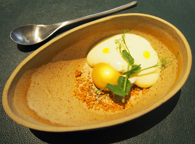 Golden Yolk with Razor Clams