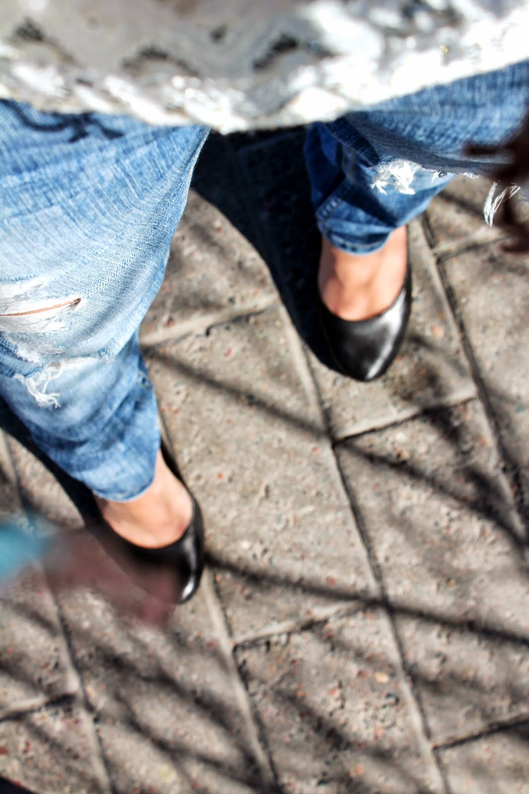 Boyfriend jeans & Tiger of Sweden heels   Alinan kotona blog #clothing #heels #jeans #fashion #blogger