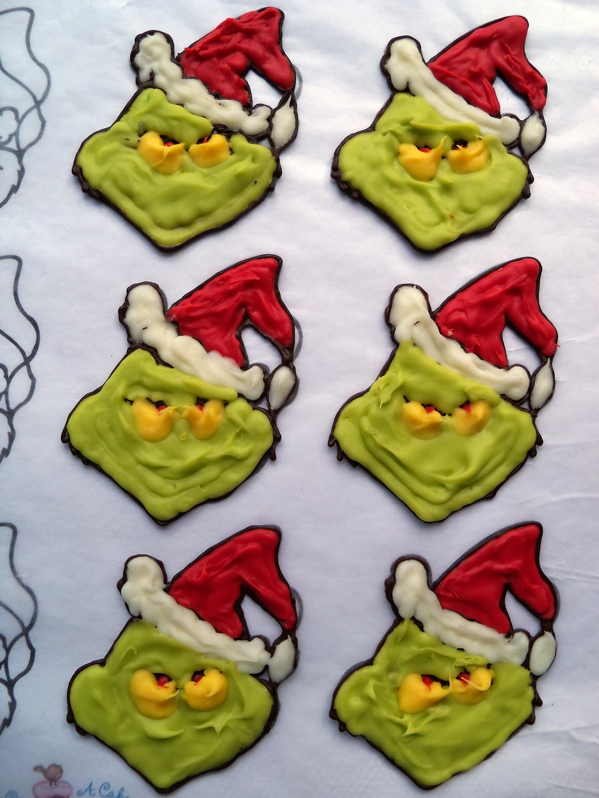 Grinch Template Grinch christmas cupcake