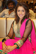 Madhu Shalini gorgeous looking photos-thumbnail-2