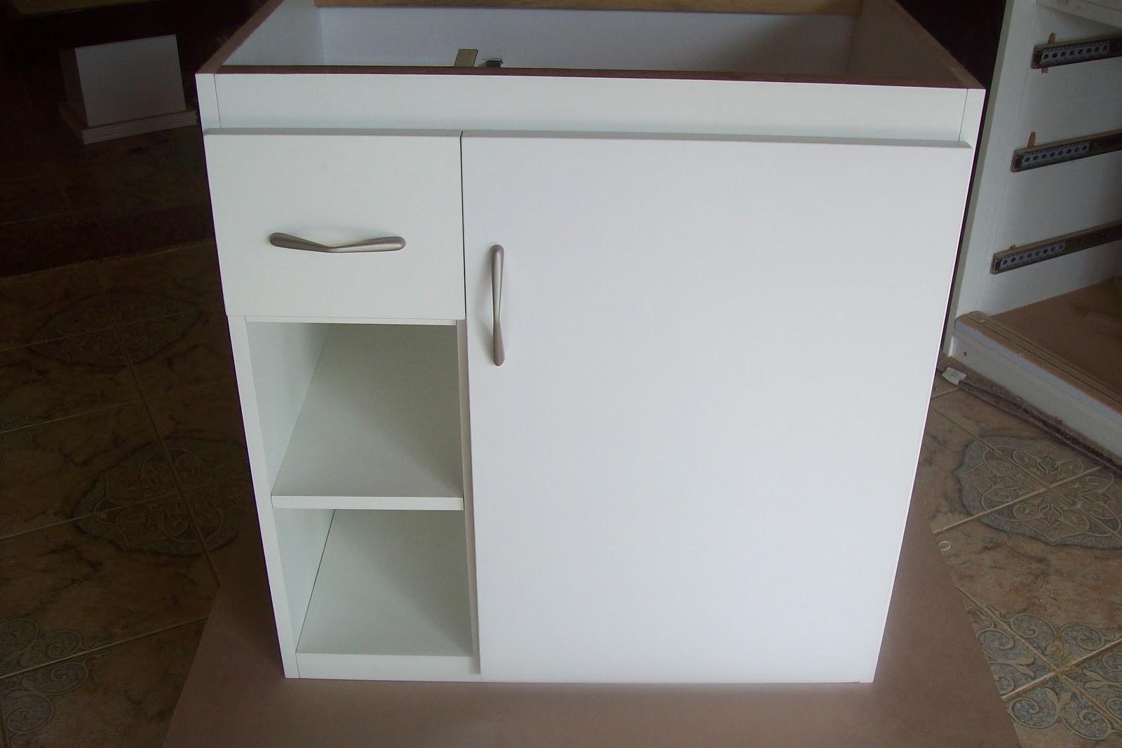 BETESDA MARCENARIA : Armário para pia de banheiro em mdf #2D231A 1600 1067