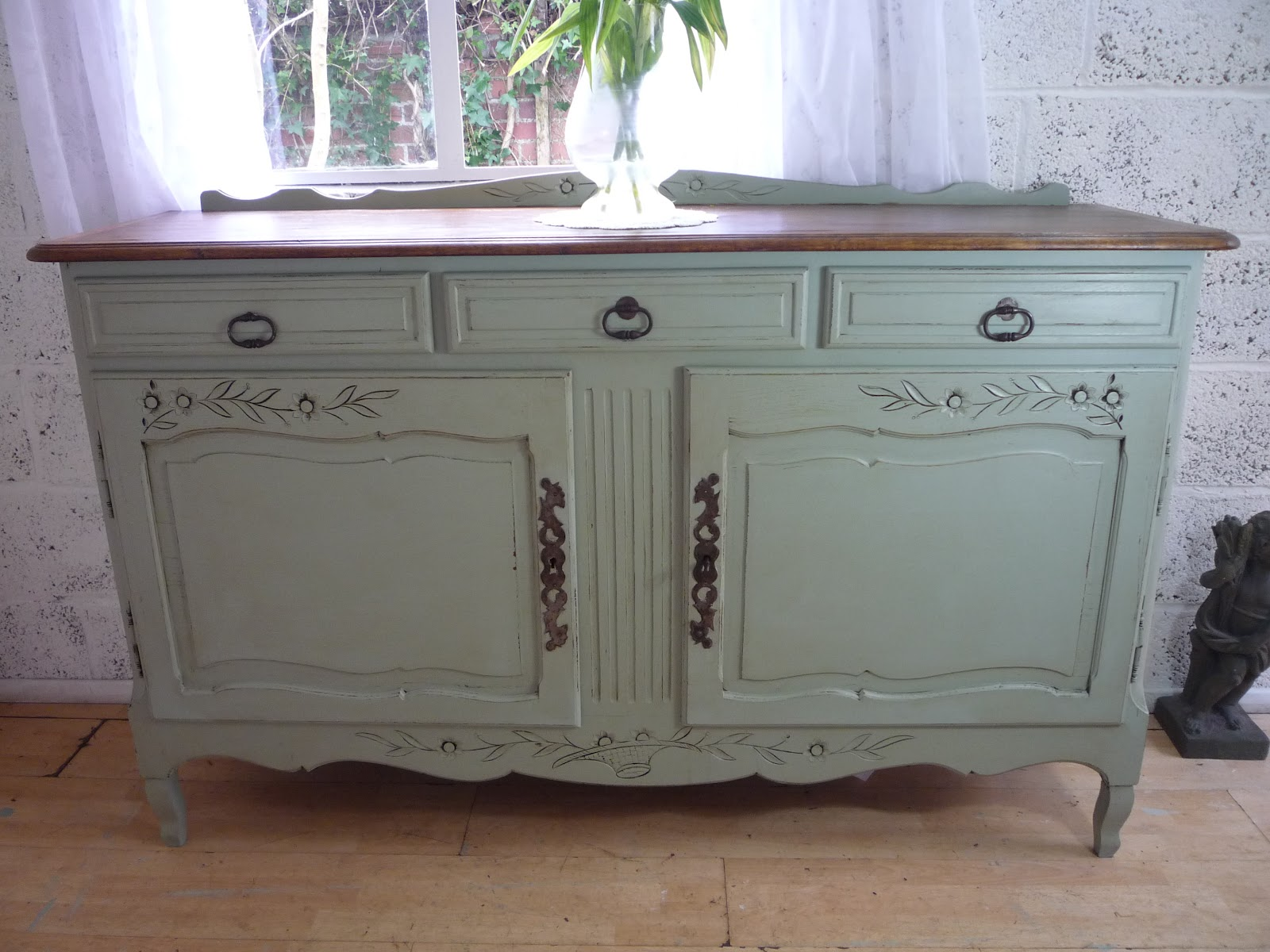 Dazzle vintage furniture easy shabby chic how to create Images of painted furniture