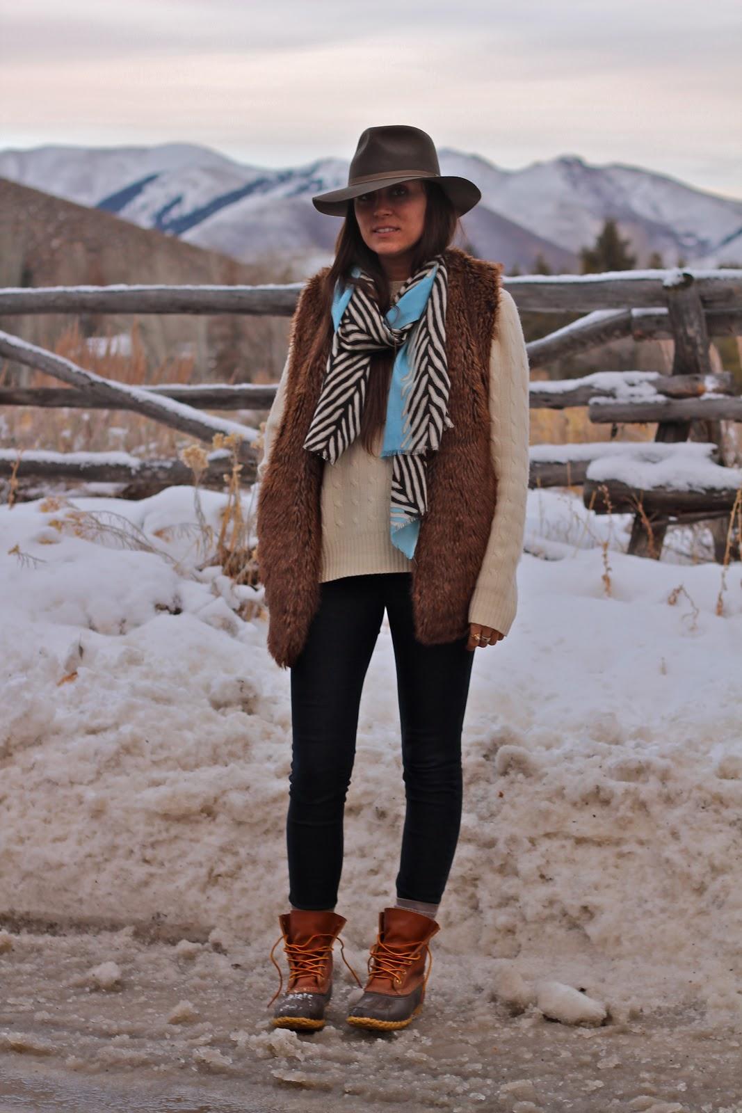Popular LL Bean 9 M Womens Boots Black Suede Fleece Insulated Winter Side Zip
