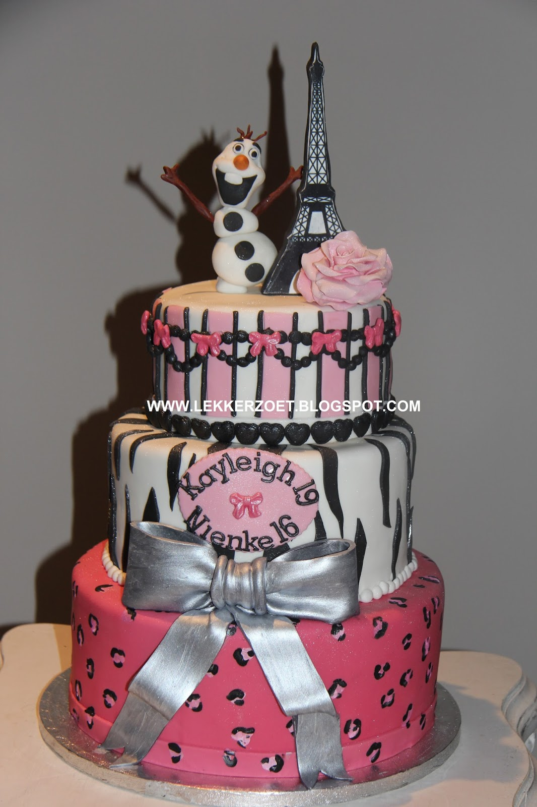 Populair lekker zoet: De eigen ontwerp taart van Kayleigh 19 jaar en Nienke  @QF-01