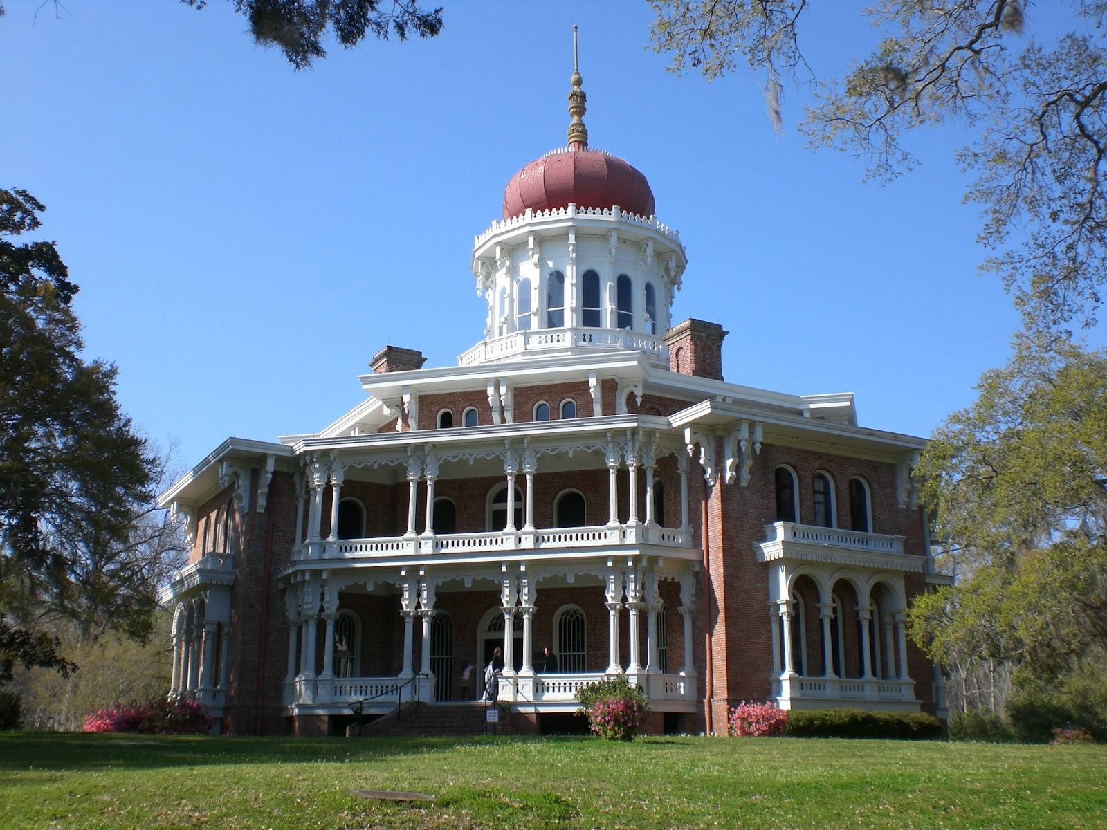 The sassy countess historic estates and grand lifestyles for Longwood house