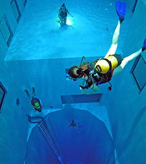 Mergulhando em salvador just add water nemo 33 for Piscinas desmontables profundas