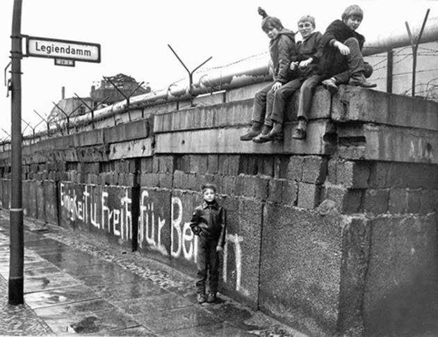 la-proxima-guerra-25-aniversario-caida-del-muro-de-berlin-11