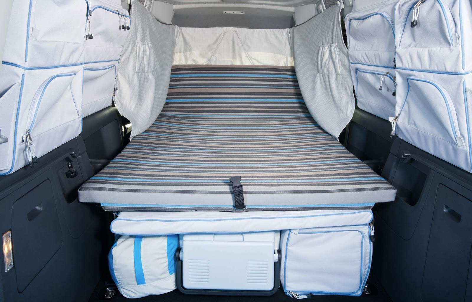 speedmonkey volkswagen want to remind you they still sell camper vans. Black Bedroom Furniture Sets. Home Design Ideas