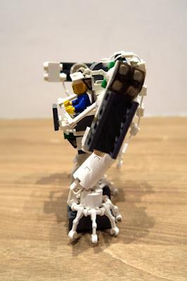 SG50 Lego Masterpiee - Robot