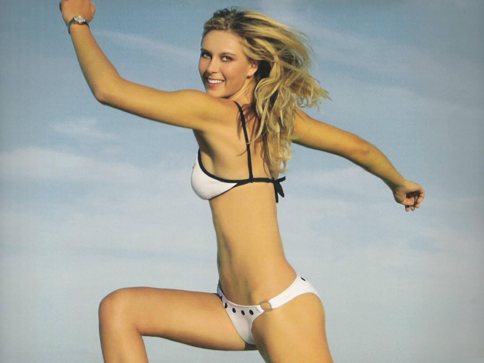 Maria Sharapova Bikini Wallpapers 2011