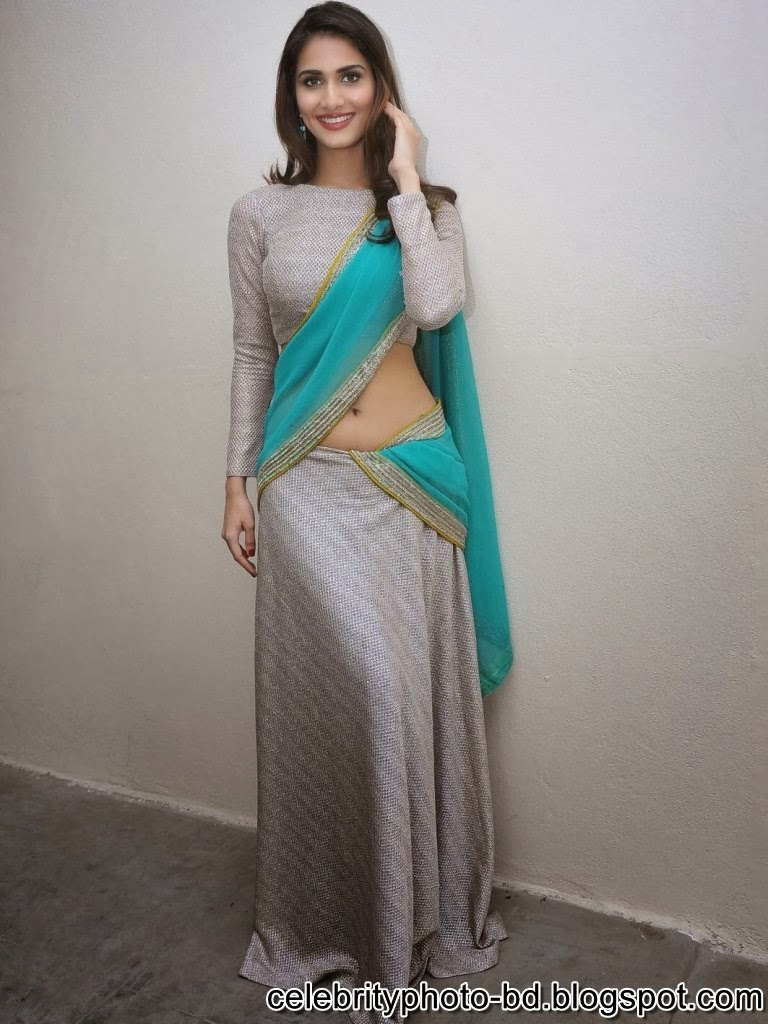 vaani+kapoor+hot+navel+photos+at+aaha+kalyanam+movie+press+meet007