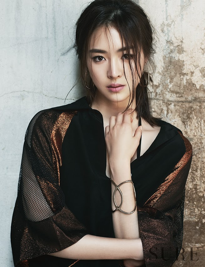 Lee Yeon Hee - Sure June 2014