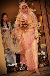 Model Gaun Pengantin Muslimah Modern