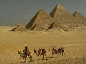 Piramida (Bangunan Megah Termisterius)