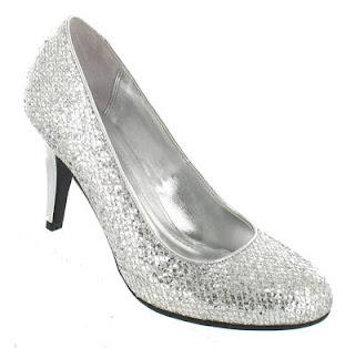 Sapato feminino para festa prata com brilhantes