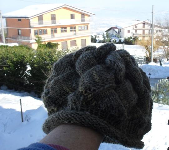 Strickstube: Mütze und Babydecke mit Flechtmuster