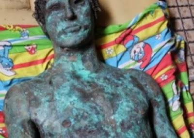 """Palestinian government in Gaza refuse to hire a statue of """"Apollo"""""""