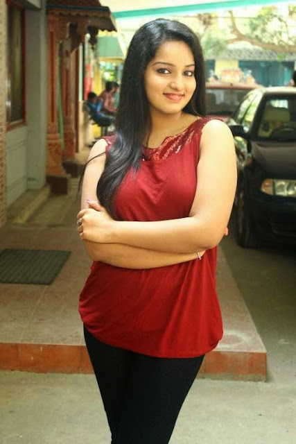 Malavika Menon Stills At Vetthu Vettu Movie Audio Launch