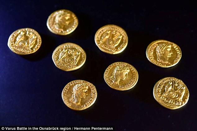 Huit pièces en or découvertes en Allemagne indiquent le site d'un massacre romain antique