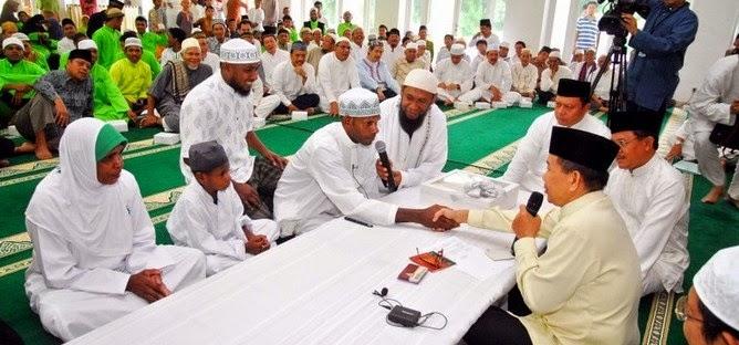 cara masuk islam menjadi mualaf dengan membaca dua kalimat syahadat