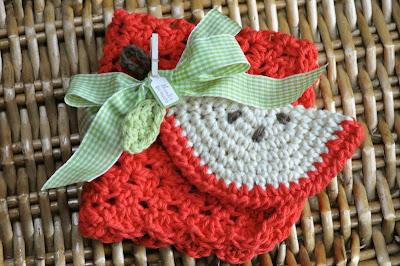 crocheted apple scrubbie and dishcloth