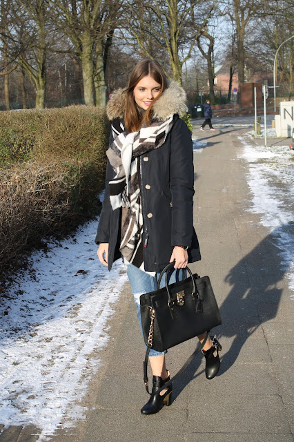 IMG 8240 - CLASSY LOOK IN WINTER