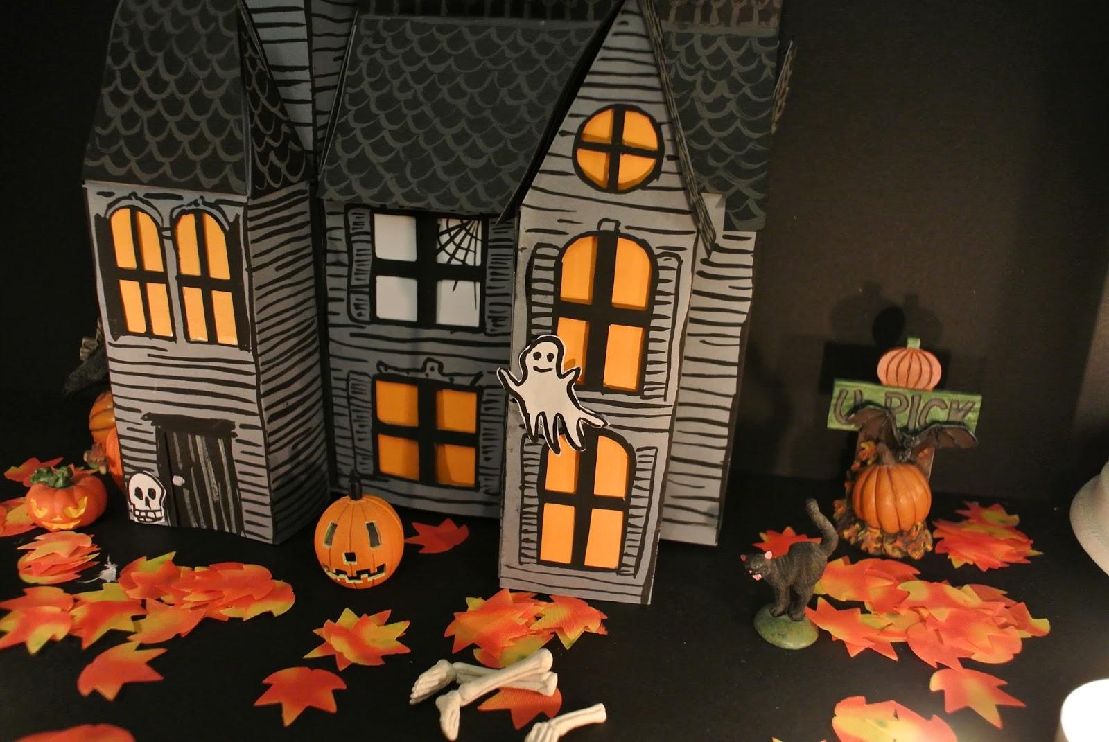 le blog de gabrielle aznar la maison hant e en papier diy. Black Bedroom Furniture Sets. Home Design Ideas