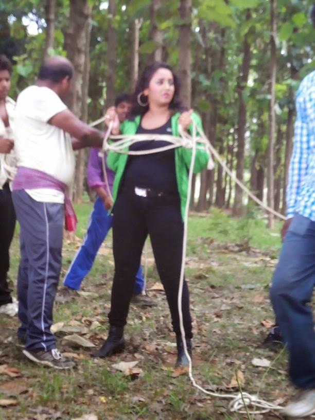 Rani chatterjee Shooting Rani Ki Hukumat Bhojpuri Movie