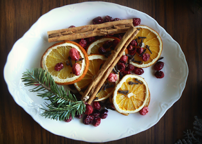 Easy Natural Ways to Fill Your Home with Your Favorite Holiday Smells