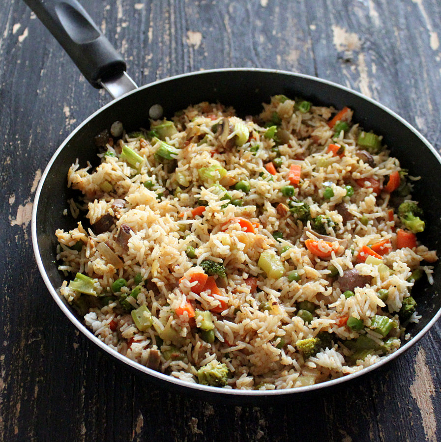 Vegan Garlic Fried Rice with Celery, Mushrooms, Broccoli, Bell Peppers ...